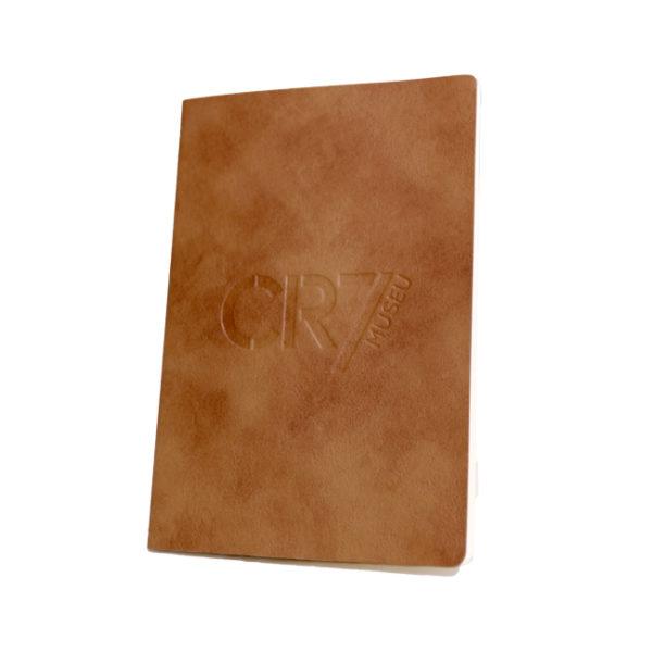 Caderno capa em pele clara